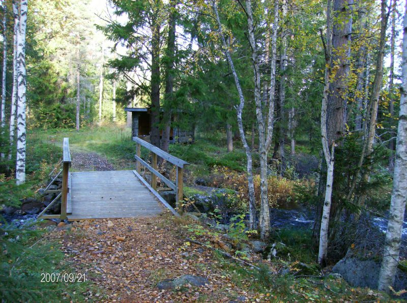 Vandringsledens bro över Bissjöån