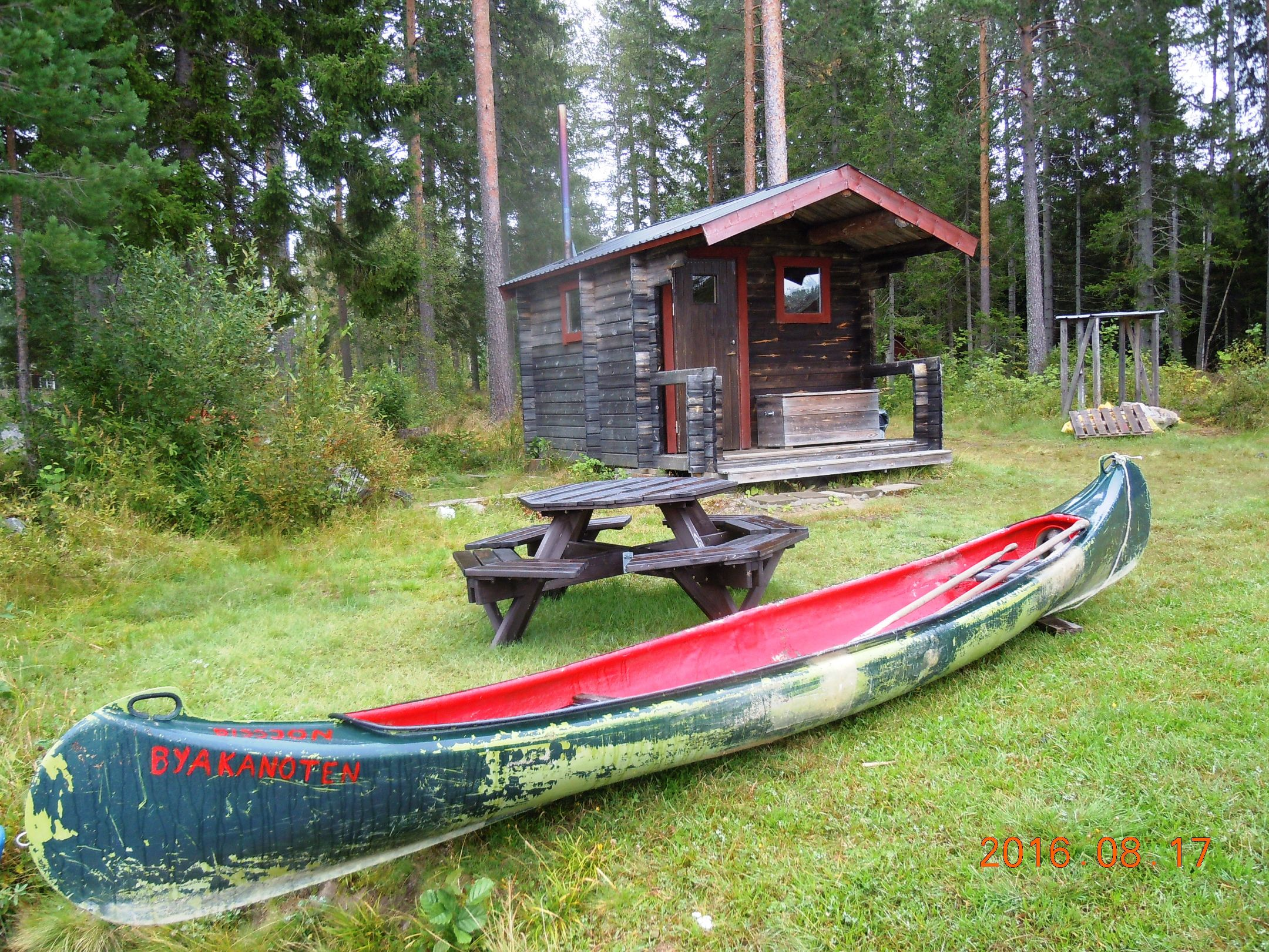 Reparerad kanot red