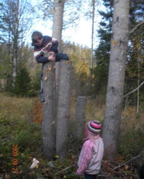Det är bra med klätterkonst tycker Olov och Anja